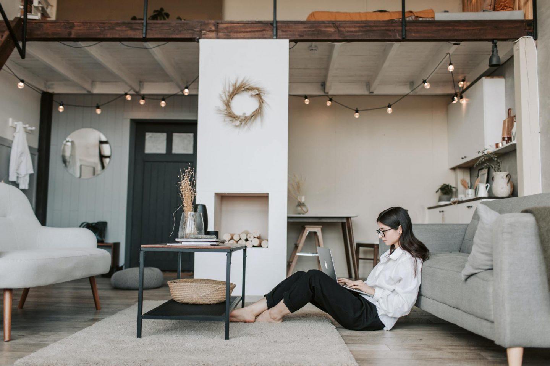 5 Manieren om een klein appartement ruimer er uit te laten zien.